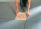 Samolepicí podlahové dlaždice pro váš útulný domov