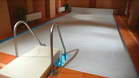 FOTKA - Bazén v činžovním domě