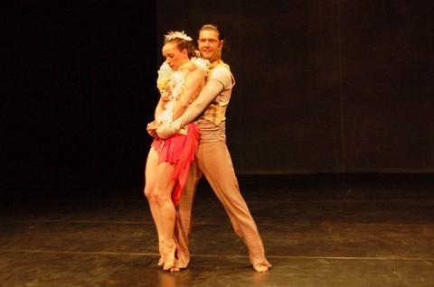 FOTKA - Posedlost - nové divadelně-taneční představení rozproudí krev v žilách