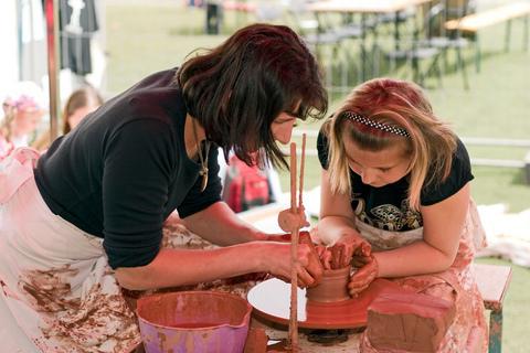 FOTKA - Na Bambiriádě 2009 si děti užijí lukostřelby, malování i vědomostních kvizů
