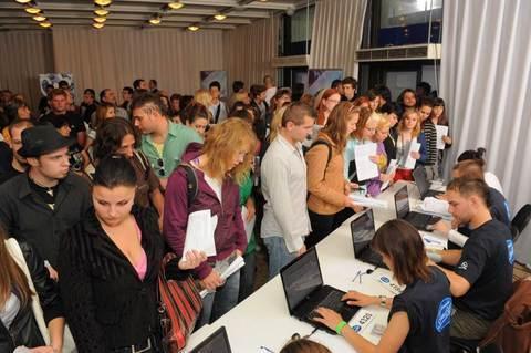 FOTKA - O casting Česko Slovenské SuperStar v Bratislavě projevilo zájem 2000 soutěžících!