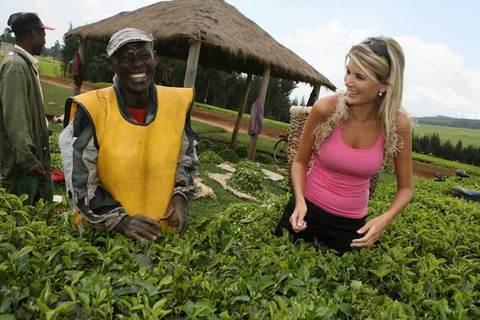 FOTKA -  České královně krásy se zalíbily keňské čajové plantáže