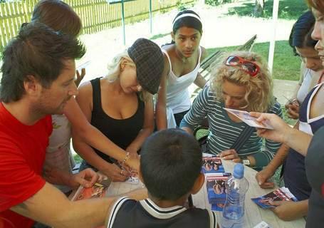 FOTKA - Děti z dětských domovů  trénují s Hankou a Novou
