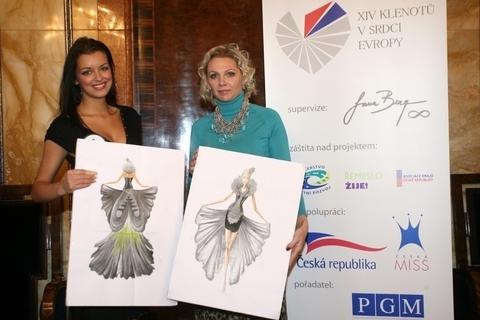 FOTKA - Extravagantní modely pro finalistky ze čtrnácti českých krajů