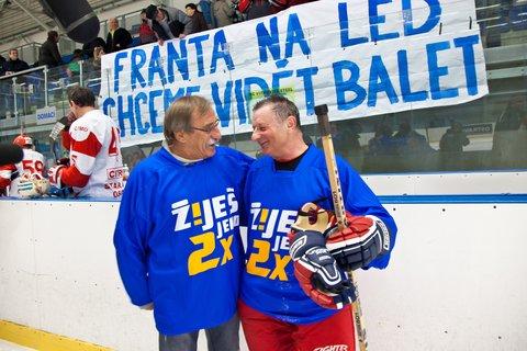 FOTKA - Žiješ jenom 2x - Hokejový Fanda