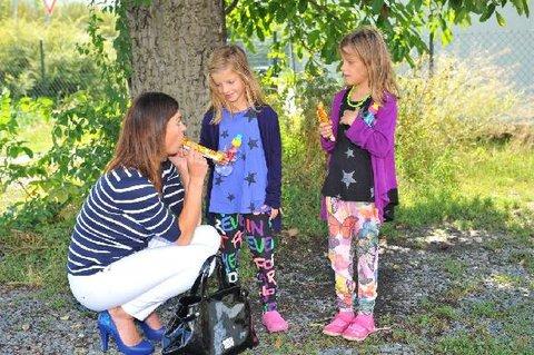 FOTKA - Hanka Kynychová nepodcenila přípravu dcer Sofie a Alexandry na vstup do první třídy