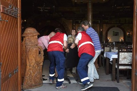 FOTKA - Lucii Benešovou musela z natáčení Vinařů odvézt sanitka
