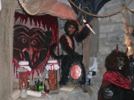 FOTKA - Čert, Mikuláš a anděl  -  tradice sahají do dávné minulosti