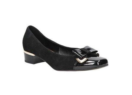 Jak nejlépe vybrat vhodné boty a doplňky na plesovou sezonu - Chytrá žena 019c48a8db