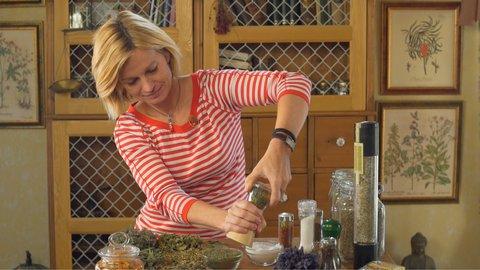 FOTKA - Kouzelné bylinky - Léčivé koření