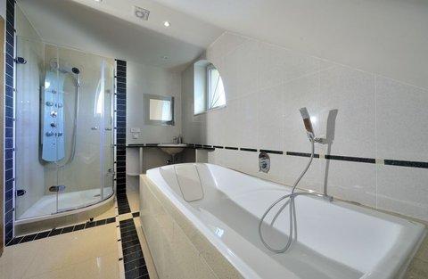 FOTKA - Zařiďte si koupelnu moderně i prakticky