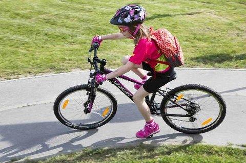 FOTKA - Jak vybrat dětský batoh na výlety, na kolo i do školy