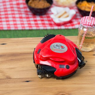 FOTKA - Grillbot - robotický čistič grilů