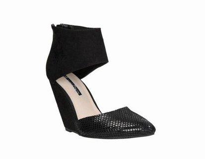 FOTKA - Jak nejlépe vybrat vhodné boty a doplňky na plesovou sezonu