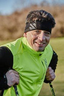 FOTKA - Běh s holemi jako zdravější a efektivnější způsob běhání