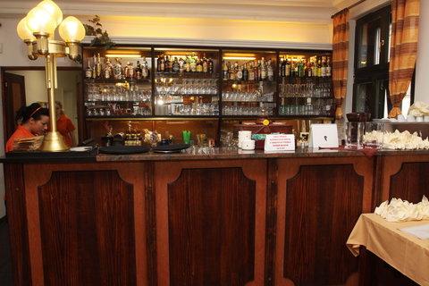 FOTKA - Ano šéfe - Restaurace U Rytíře v Liberci