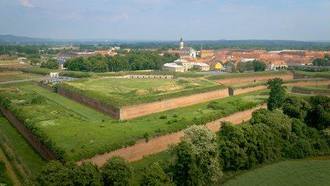 FOTKA - Národní klenoty II - Terezín – Nepokořené hradby