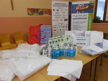 FOTKA - Dva azylové domy pro matky sdětmi převzaly dar od nadačního fondu AQUAPURA