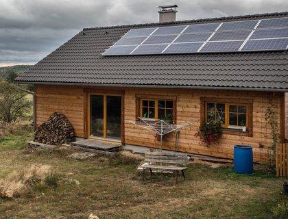 FOTKA - Solární desatero: poradíme, jak můžete sluneční energii účinně využívat i vy!