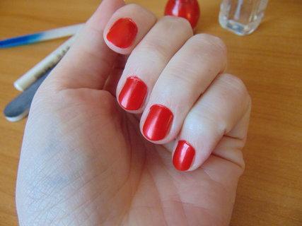 FOTKA - Jak vykouzlit pěstěné nehty