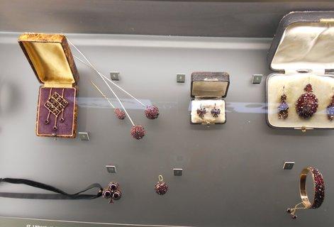 FOTKA - Návštěva Muzea českého granátu