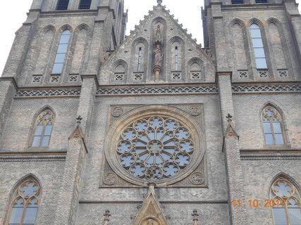 FOTKA - Kostel svaté Ludmily v Praze