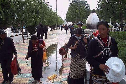 FOTKA - Voda na  cestách