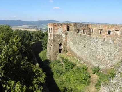 FOTKA - Hrad Helfštýn s nejdelšími hradebními zdmi v České republice