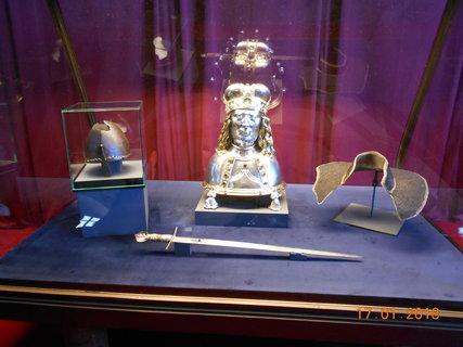 FOTKA - Návštěva výstavy korunovačních klenotů