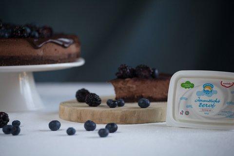 FOTKA - Sandra peče koláče z Jaroměřického tvarohu i žervé