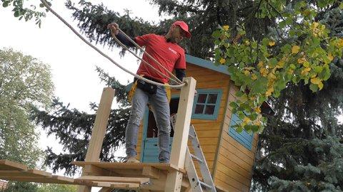 FOTKA - Libovky Pepy Libického: domeček na stromě