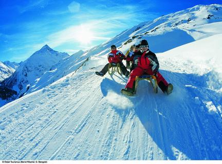 FOTKA - Češi jsou národem lyžařů. Cestovní kancelář vybírejte důkladně.