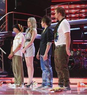FOTKA - Česko Slovenská SuperStar 2011 - skončil benjamínek Martin Harich