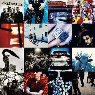 FOTKA - U2 si k v�ro�� nad�l� nabouchanou reedici Achtung Baby