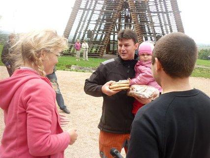 FOTKA - Rodinné kočárkování pod rozhlednou Bára