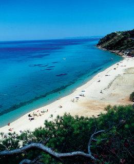 FOTKA - Čtyři tipy, jak čelit nástrahám moře na letní dovolené