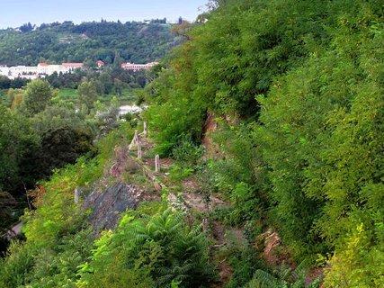 FOTKA - Obnova skalní stezky Zakázanky v ZOO Praha