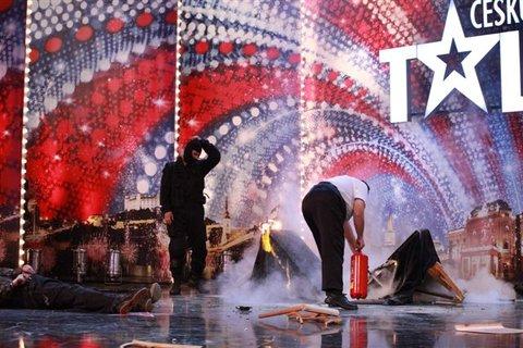 FOTKA - ČSMT: Požár v divadle, akrobaté na šálách a sexy posluchačka církevní školy