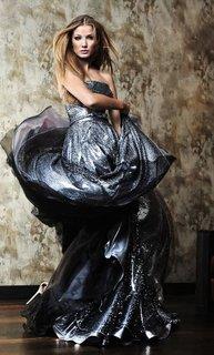 FOTKA - Česká Miss Earth 2011 Šárka Cojocarová se přeměnila z divoké Amazonky v luxusní krásku