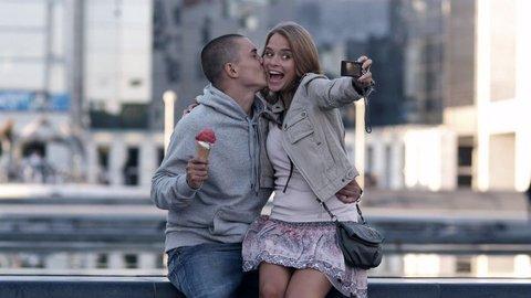 FOTKA - Love - Doteď jsi se vezl, dál musíš jít sám