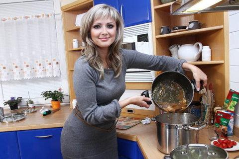 FOTKA - Česko na talíři: Prasečí nožičky u miss Žídkové v Kravařích