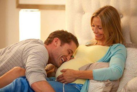 FOTKA - Film Jak porodit a nezbláznit se – aneb, co čekat v radostném očekávání