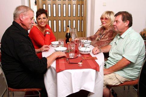 FOTKA - VIP Prostřeno 13.9. 2012 - Andrea Kalivodová
