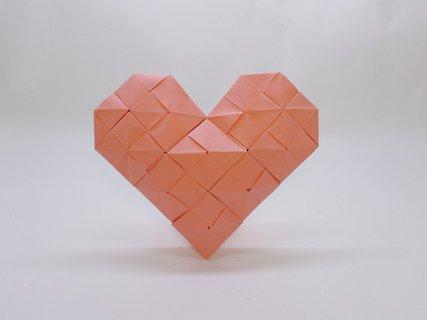 FOTKA - Krásu papírového umění origami předvádí nová výstava vLetohrádku Mitrovských