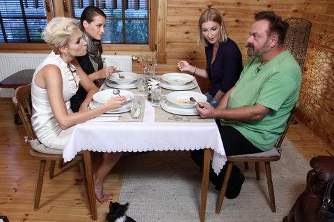 FOTKA - VIP Prostřeno 4.10. 2012 - Hanka Mašlíková