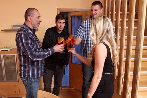 FOTKA - VIP Prostřeno 1.11. 2012 - Michaela Štoudková