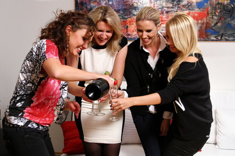FOTKA - VIP Prostřeno 13.11. 2012 - Andrea Košťálová