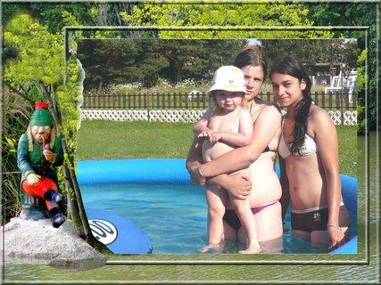 FOTKA - S vodníkem v bazénu