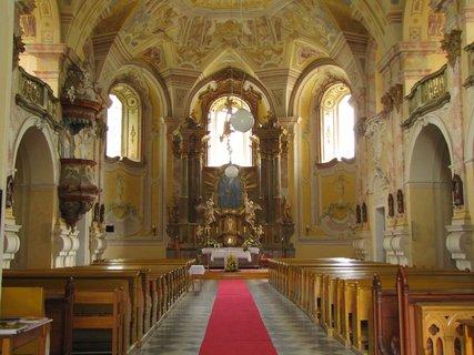 FOTKA - V kostele Panny Marie Sedmibolestné