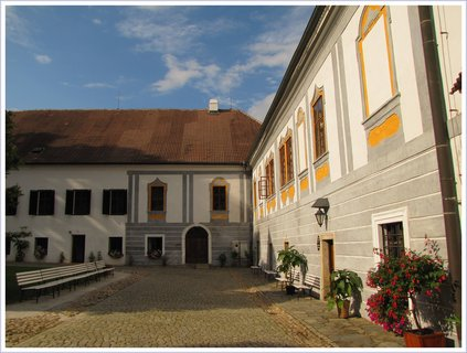 FOTKA - V areálu kláštera Zlatá Koruna